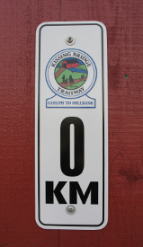 0 km marker on trail